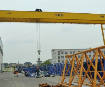 Semi-gantry cranes