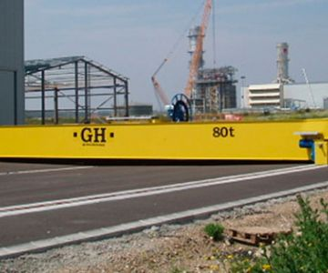 Rail vehicle transfer carts for cranes