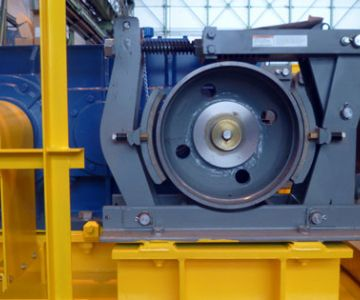 Centrifugal safety brakes for cranes